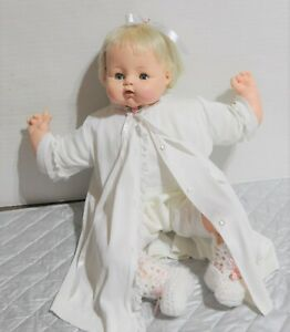 18-034-Madame-Alexander-Kitten-doll-crier-new-stuffing-original-tagged-Robe-diaper