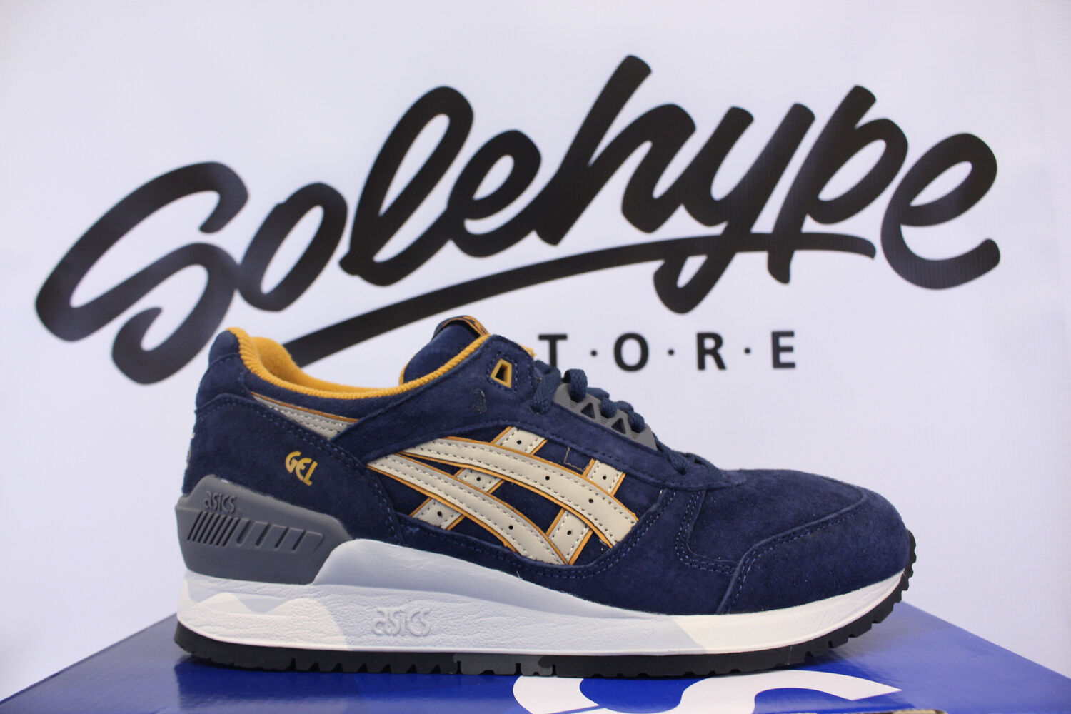 ASICS GEL RESPECTOR PREMIUM CASUAL PACK NAVY SAND H5X2L 5005 SZ 10.5