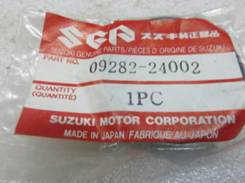 R44 Genuine Suzuki Marine 09282-24002 Oil Seal 24x40x7 OEM New Factory Boat Part