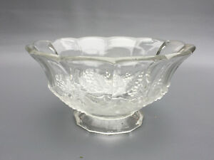 Antique-pressed-glass-salad-bowl-FROSTED-GRAPE-1880-039-s-1890-039-s