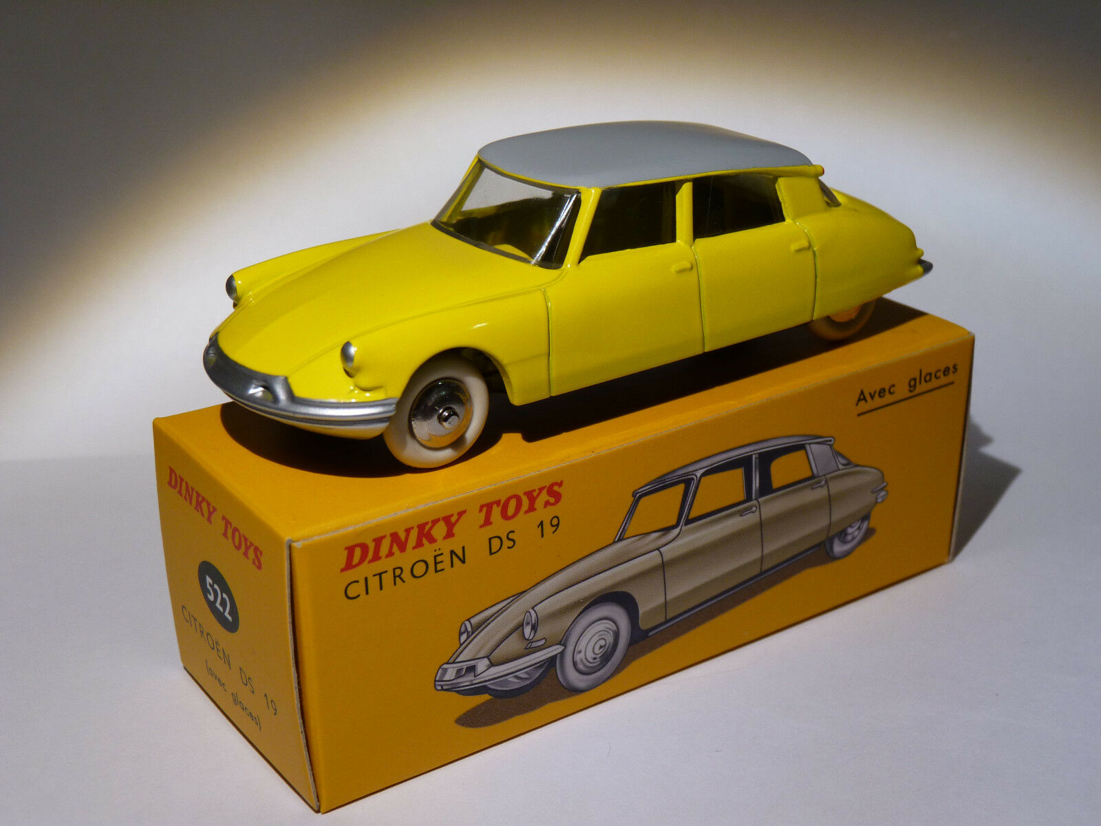 RARE citroen DS 19 yellow - ref 522 édition noel 2010 au 1 43 de dinky toys atlas