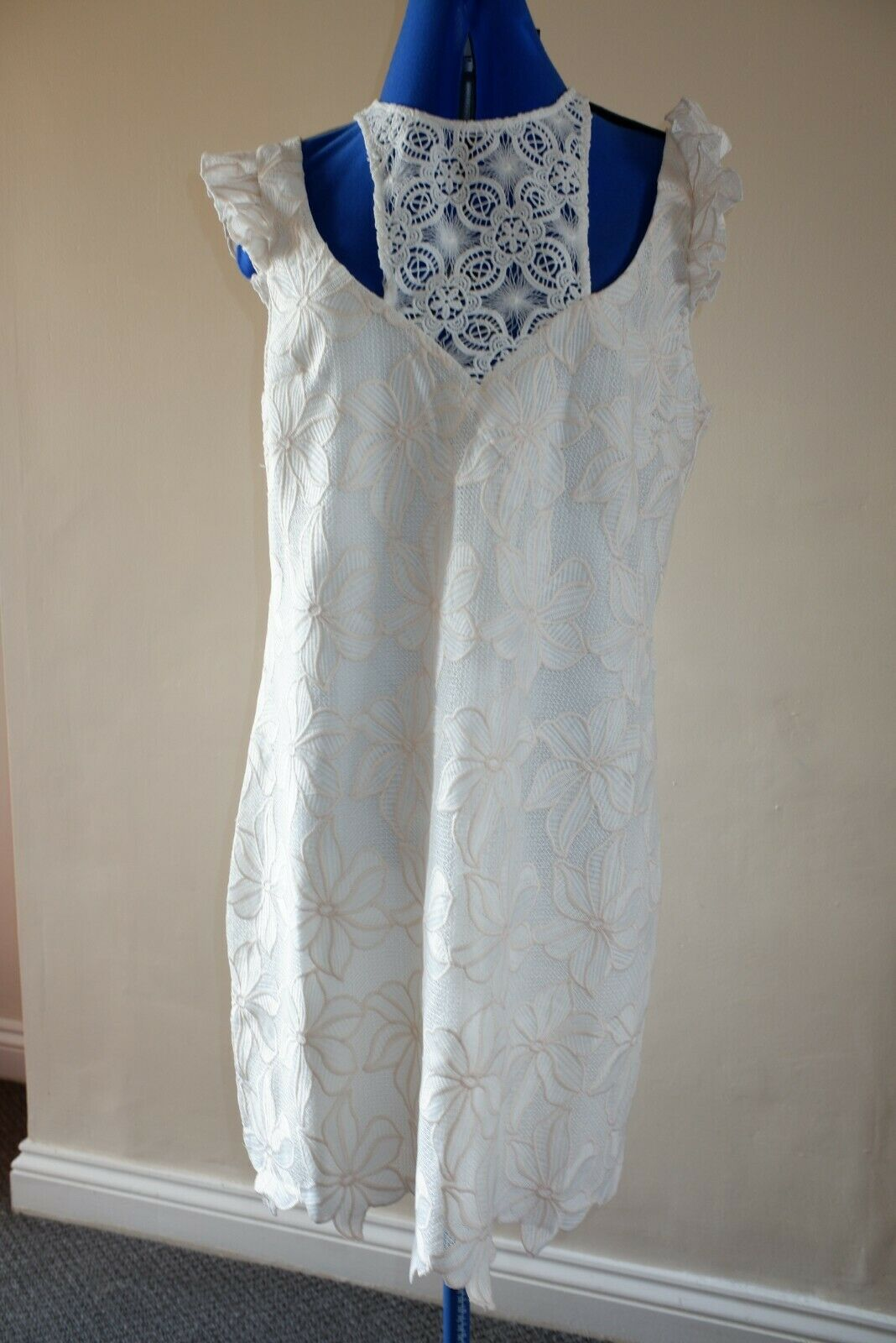 X GUESS LOS ANGELES DRESS CREAM IVORY FLOWERS DELICATE LACE XL   UK 16