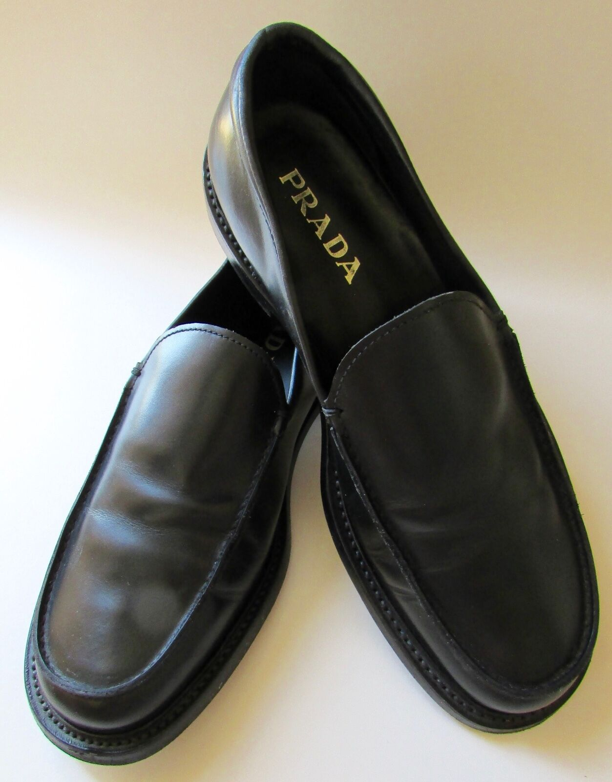 PRADA  nero Leather Loafers Mens Sz 8 EUC