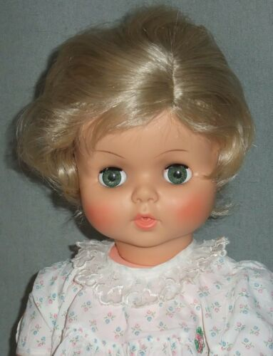 DOLL WIG Size 15 Blonde  BETH STYLE Short Wavy Side Part BOY or GIRL Med
