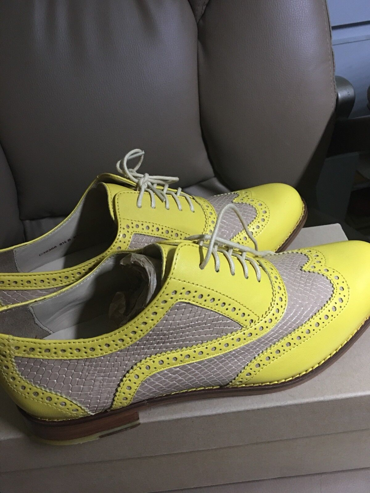 New in Box Cole Haan Skylar deux tons Oxford