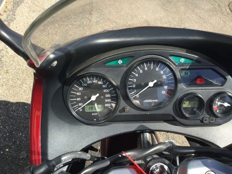 Suzuki GSX 750 km 19000 2008 39900kr supervelh....
