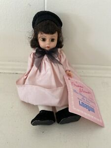 Miss-Magnin-Supports-the-Arts-Madame-Alexander-Doll
