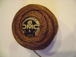une-boule-de-coton-perle-DMC-grosseur-N-5-coloris-N-433-article-116