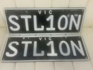 STL1ON-VICTORIAN-NUMBER-PLATES-SUIT-MUSTANG-FERRARI-HORSE-TRAINERS-STALLION