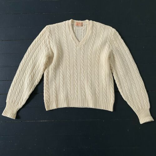 Vintage 1940s CATALINA Wool Cream Cable Knit V-Nec