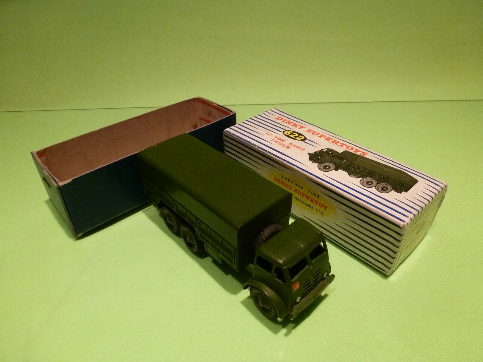 DINKY TOYS 622  10-TON ARMY TRUCK - RARE SELTEN - EXCELLENT CONDITION IN BOX