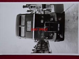 PHOTO  LONDON TRANSPORT BUS NO RLH6 ON ROUTE 127 C1956