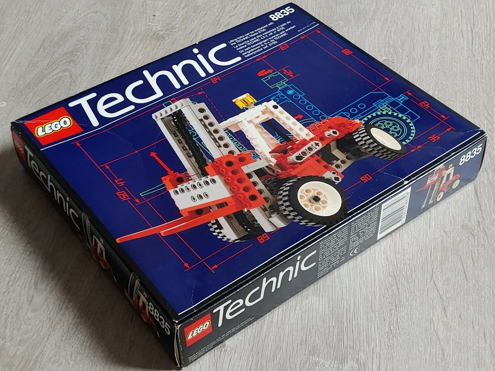 Lego Technic 8835   FORKLIFT   100% COMPLETE   original box and instructions