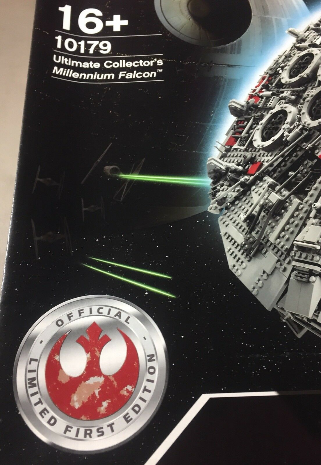 Lego Star Wars Ultimate Collector's Millennium Falcon First Edition Set 10179 LE