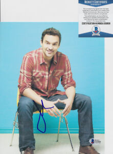Jake-Johnson-The-New-Girl-Signed-Autograph-8x10-Photo-Beckett-BAS-COA-1