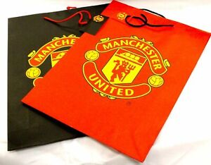 Manchester United OFFICIAL 2 x Large Gift Bags RED /& BLACK with GOLD MU CREST
