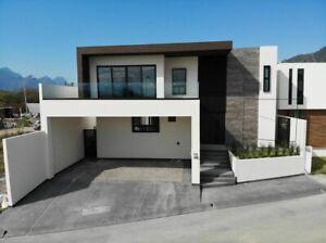 Casa en venta carretera nacional