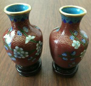 SET-of-2-Chinese-Bronze-Brass-Enamel-Cherry-Blossom-Cloisonne-Vase-amp-Wood-Stand