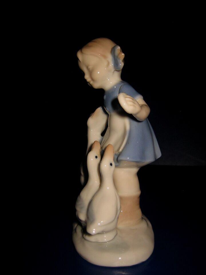 Figurer, Porcelain figure