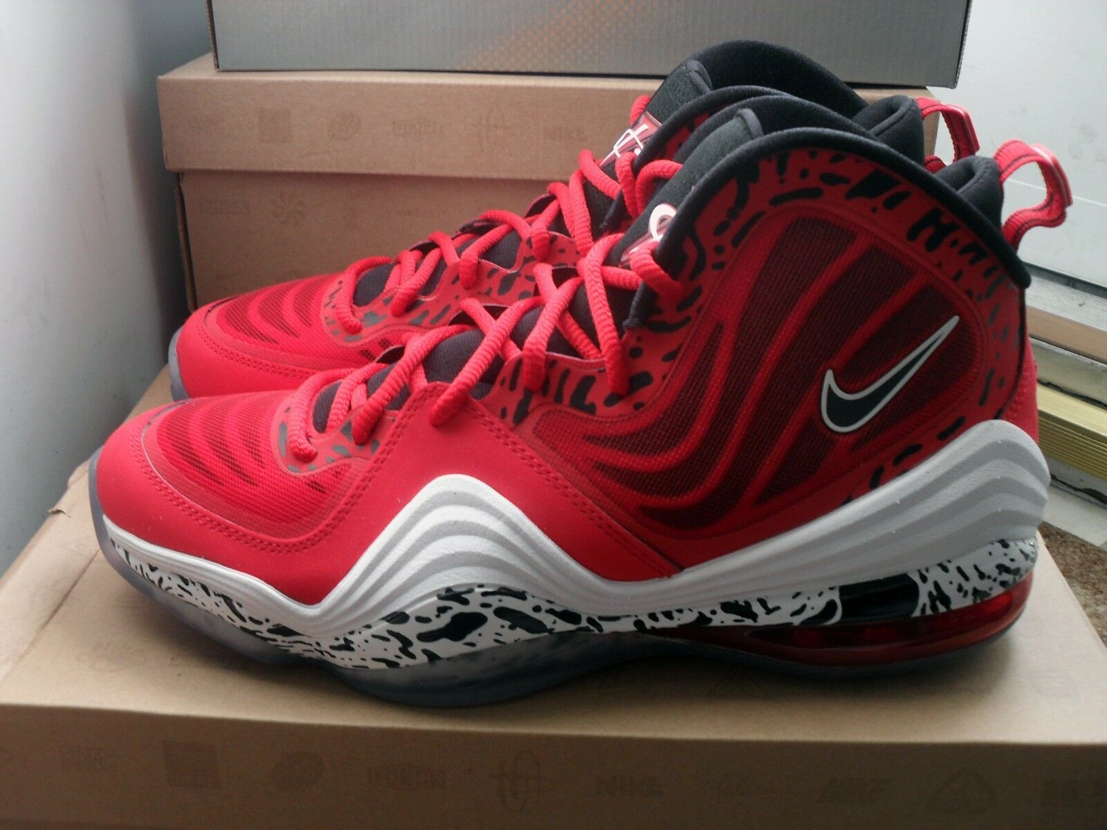 DS Nike Air Penny V 5 RED EAGLE size 10 *FAST SHIPPING* QS iv eagles foamposite