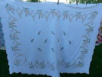 VINTAGE WHITE TABLECLOTH WITH WHEAT EMBROIDERY
