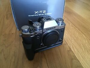 Fujifilm-X-T2-Graphite-Silver-Edition