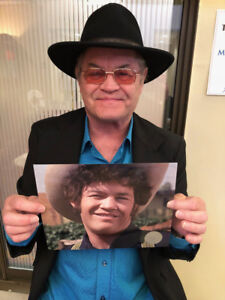 MICKY-DOLENZ-DIRECT-2U-HEAD-8x10-MOVIE-PHOTO-3-SIGNED-TO-YOU-THE-MONKEES