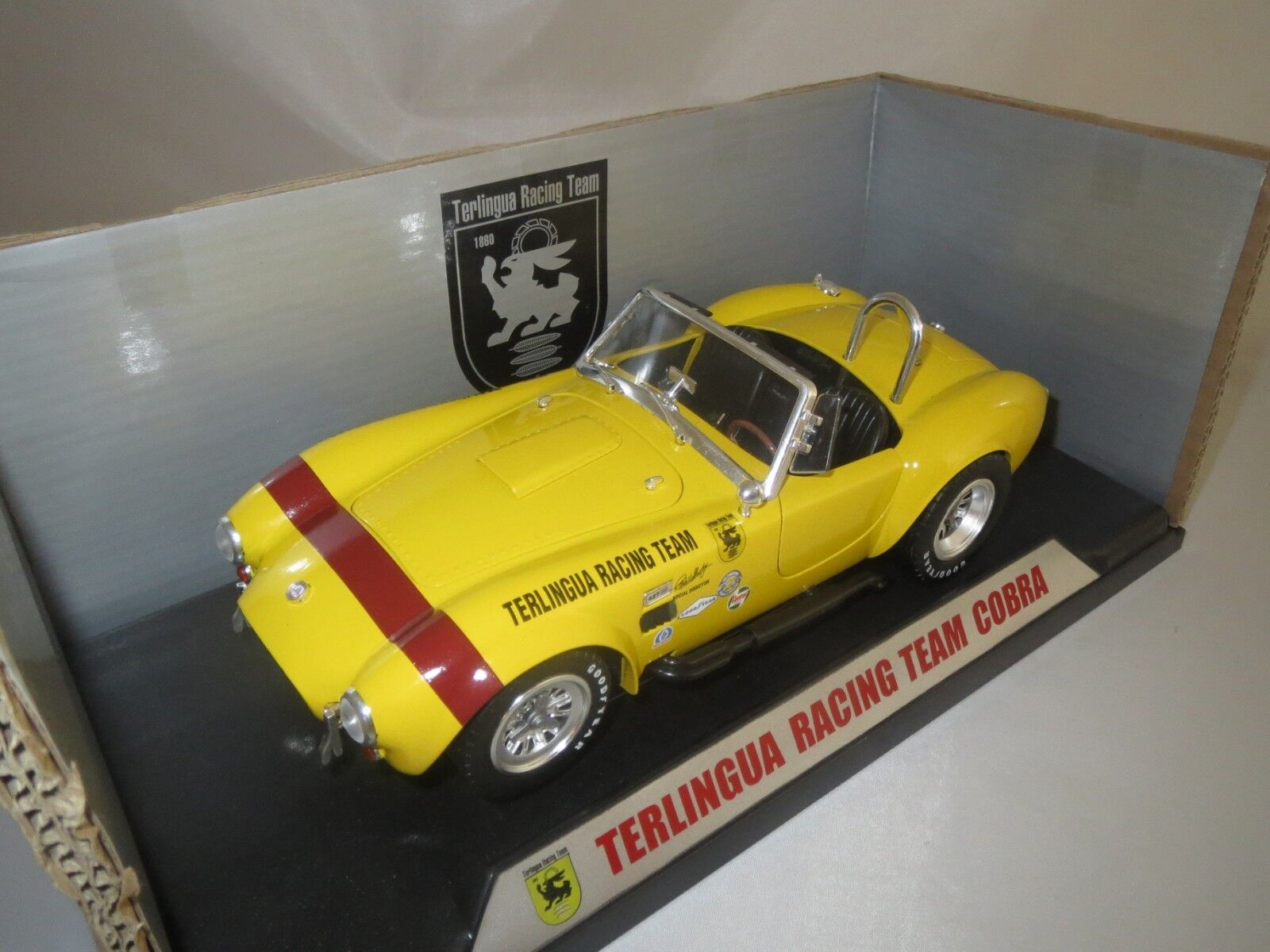 Shelby Collectibles Terlingua Racing Team Cobra (giallo) 1 18 OVP