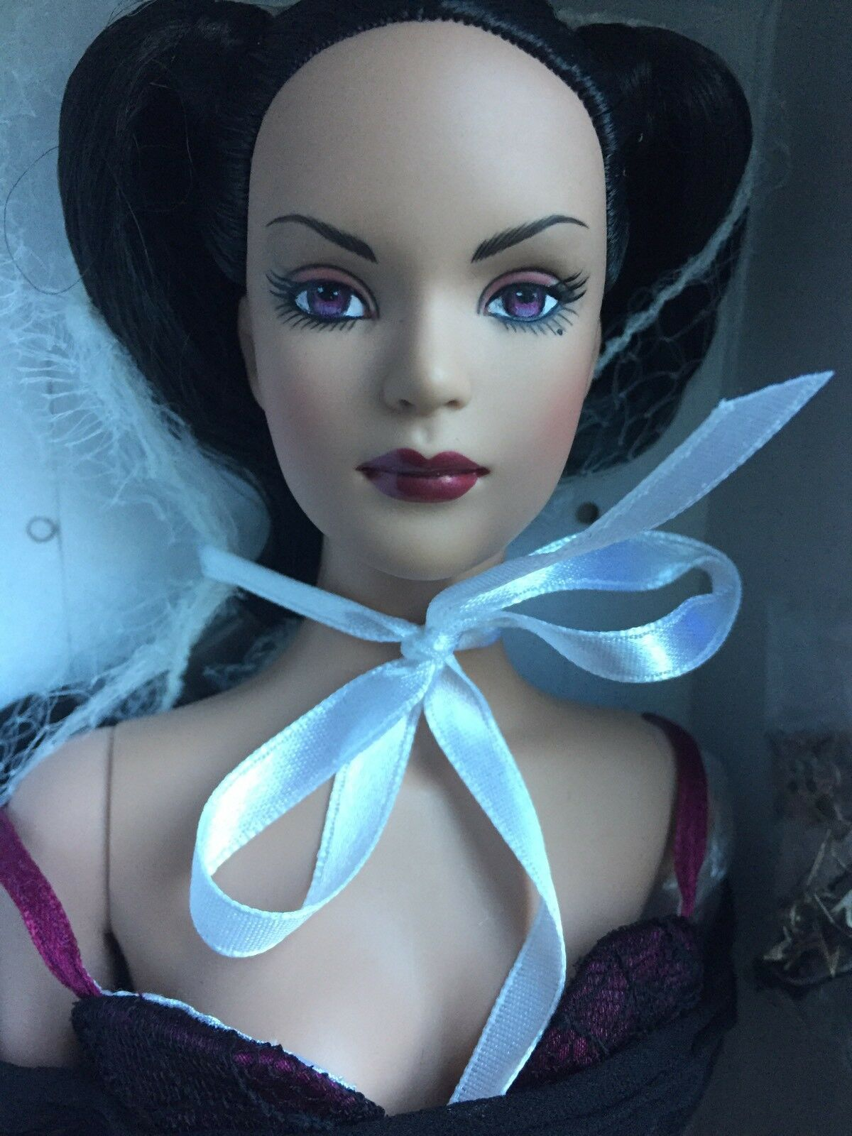 Tonner 16  2005 HALLOWEEN CON CHARMED TYLER WENTWORTH Fashion Doll NRFB LE 275