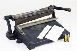 Massicot-pour-decoupe-de-papier-et-photographie-Vers-1920