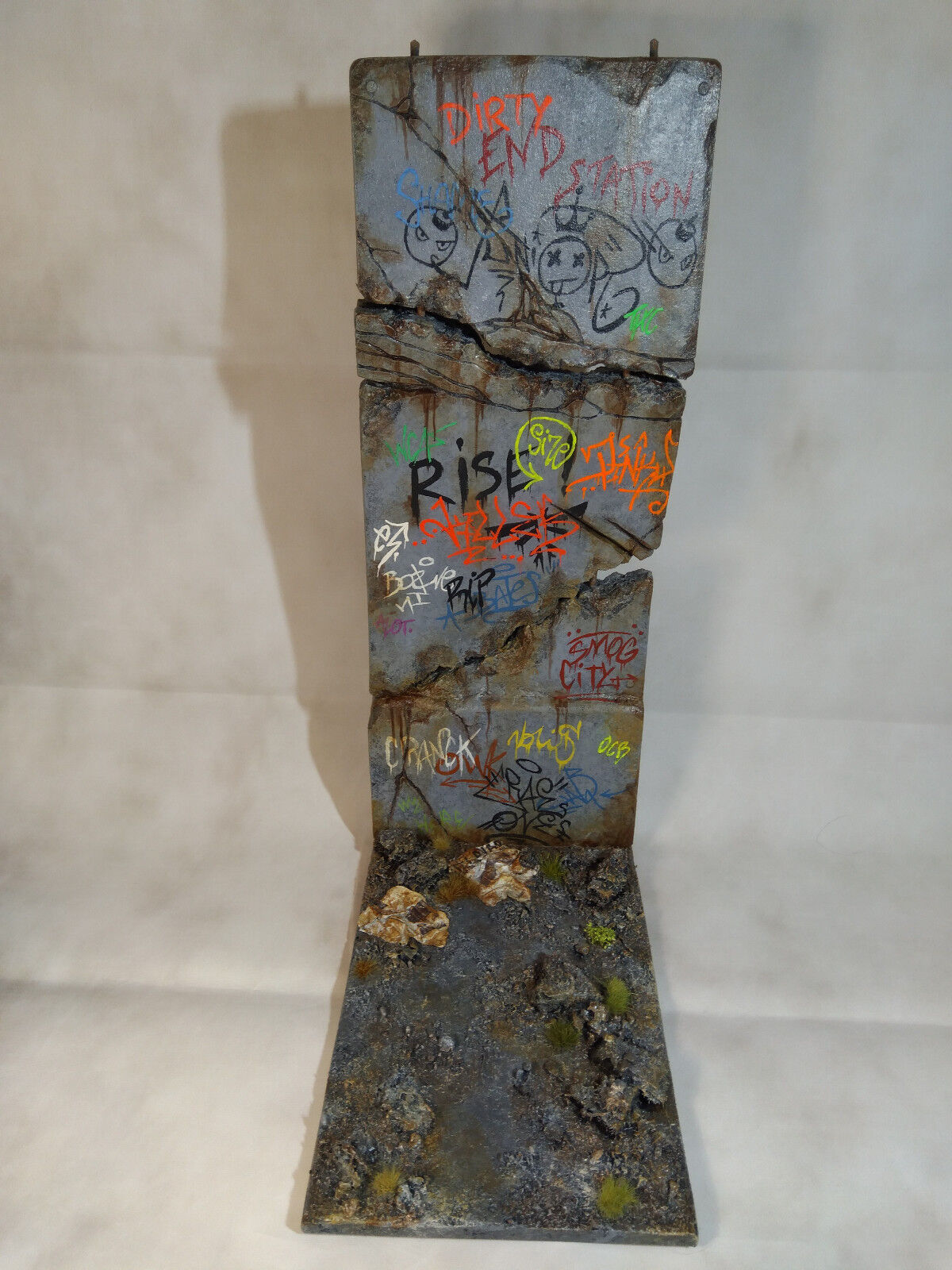 1 dirty concrete wall part 1  ,diorama 1/6 scale , sideshow , hot toys , medicom