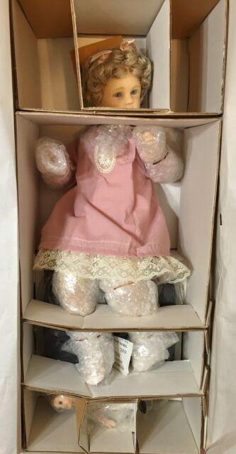"Goebel  by Richard Simmons Memories of Childhood 15.5"" Mary New in Original Box"