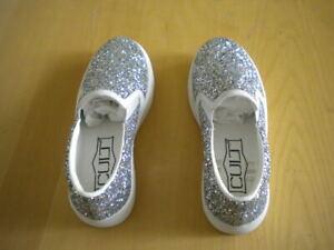 factory authentic 89606 7220f Dettagli su scarpe Cult bambina sneakers argento glitter silver fondo  bianco numero bimba 32