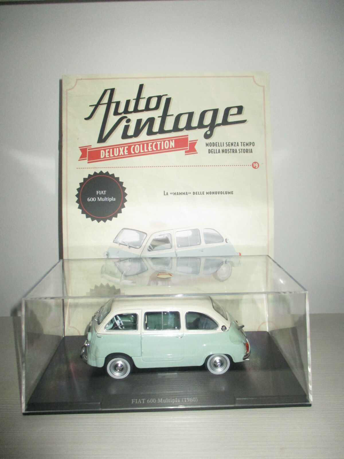 FIAT 600 MULTIPLA 1960 CON FASCICOLO AUTO VINTAGE SCALA 1 24