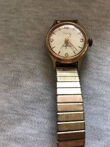 Vintage-Timex-Gold-Tone-Ladies-Wind-Up-Watch
