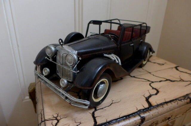 Metal model of the Mercedes car shop playroom home art decoration collector
