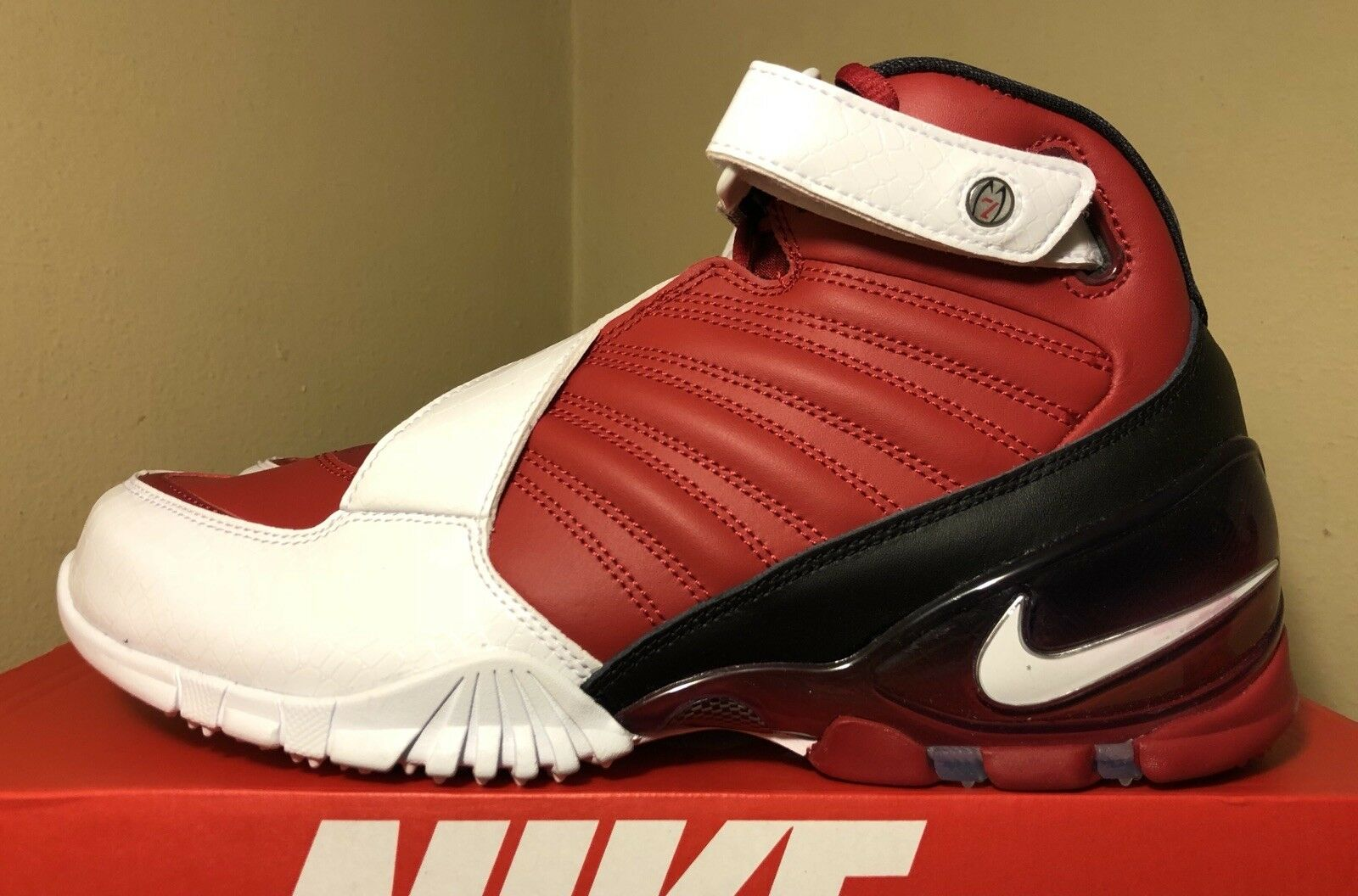 Nike Zoom Vic III (3) In Varsity Red Sz. 9.5 New In Original Box 100% Authentic