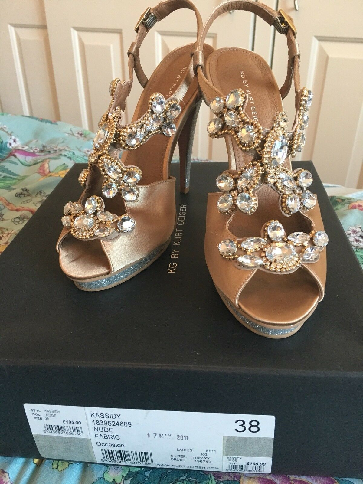 KG By Kurt Geiger Kassidy Chaussures Taille UK 5 EU 38 très rare coffret argent or Bal