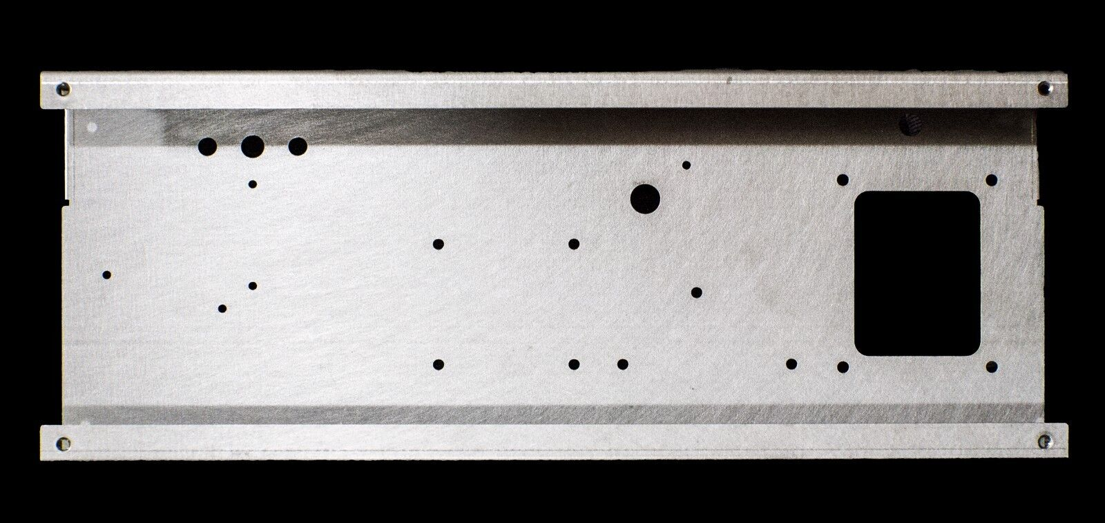 Amp Chassis fits Blaus Junior cabinets 4 preamp 4 power tube holes