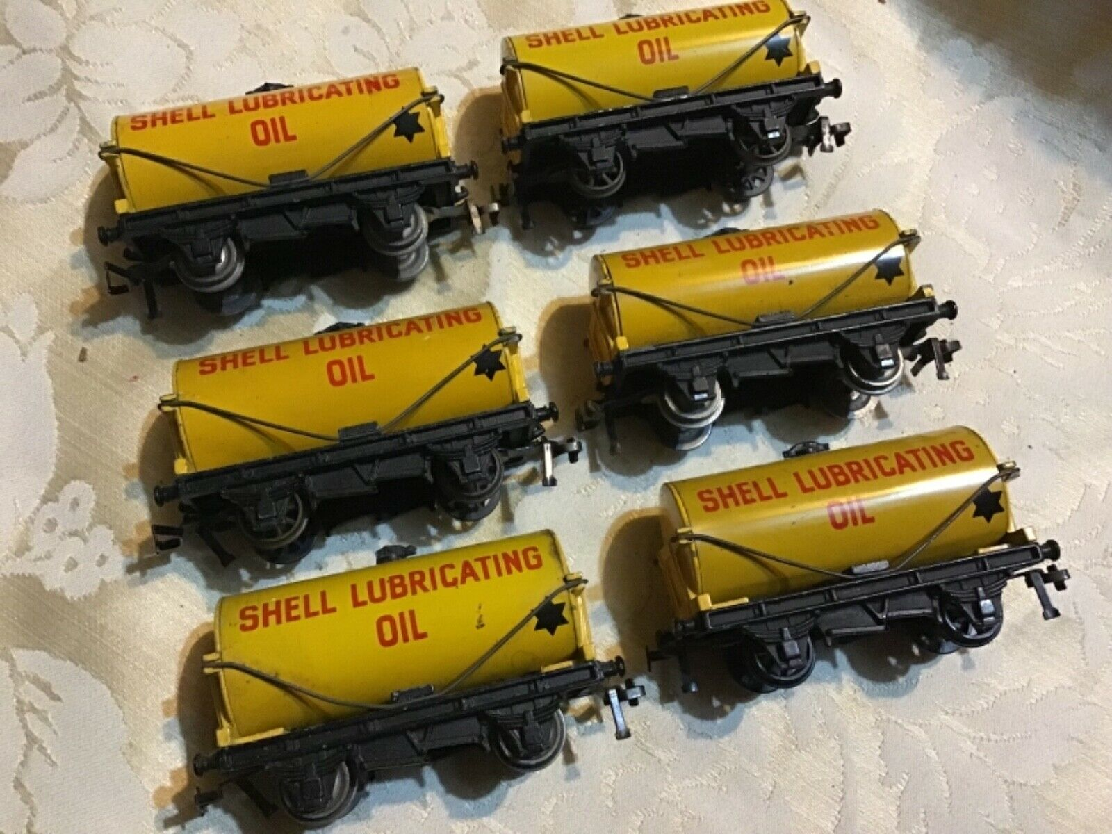 HORNBY DUBLO SHELL LUBRICATING OIL TANKERS X 6 ALL VERY GOOD LOOK