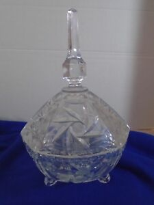 VINTAGE-THREE-FOOTED-LEAD-CRYSTAL-CANDY-DISH-DEEPLY-ETCHED-HEAVY-GLASS-LID-11-5-034
