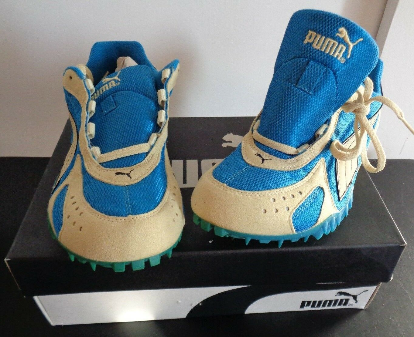 PUMA Men's COMPLETE SPRINT SPIKE Track Shoes Size US 8 Blue Gold NEW IN BOX