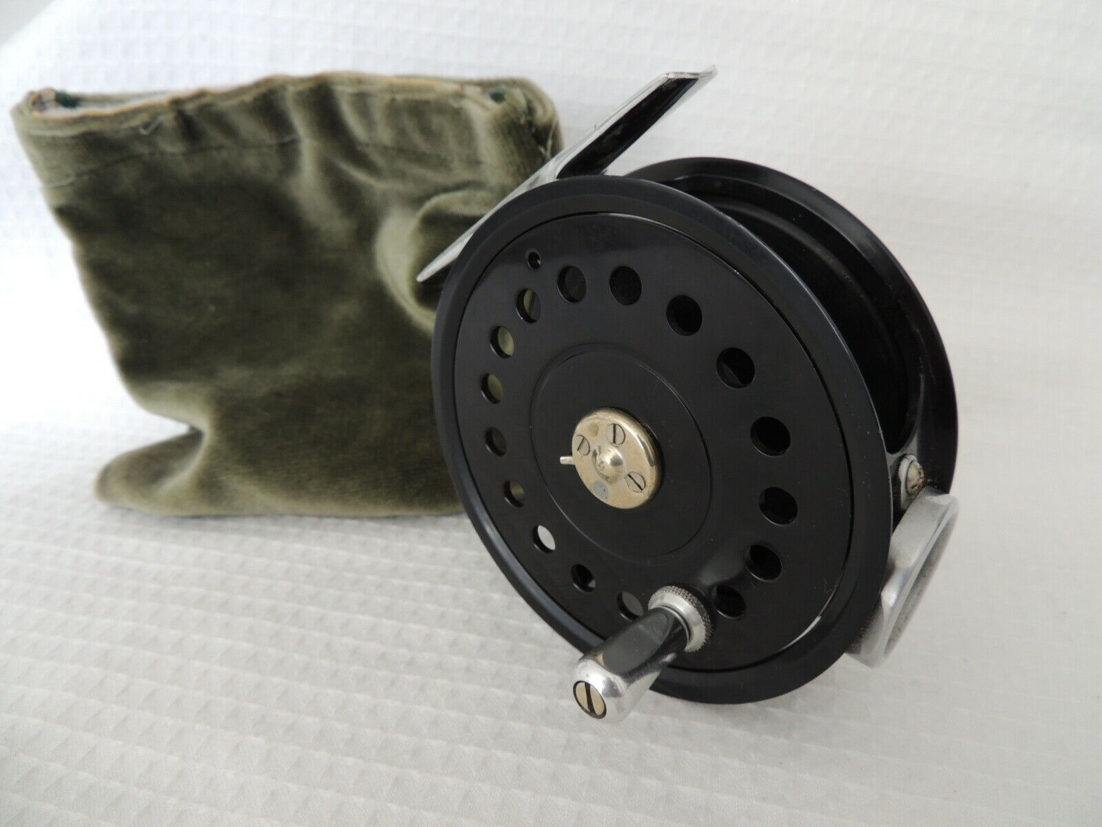 Fine Milwards Flycraft 4  Salmon Fly  Fishing Reel + Pouch.  low prices