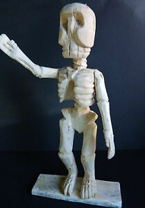 """REDUCED!!! Mexican Day of the Dead Carved Skeleton """"Waving at You"""" ,Oaxaca,1985"""
