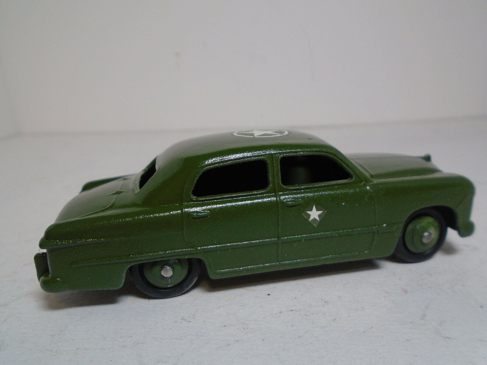 Vintage Meccano Ltd. Dinky Military Toy Toy Toy Ford Staff Car 1950's Restored 2NM  8d8acd