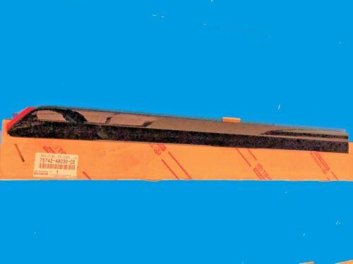 GENUINE RX350 RX330 REAR LEFT DOOR EXTERIOR SIDE MOULDING 75742-48030-C0 BLACK