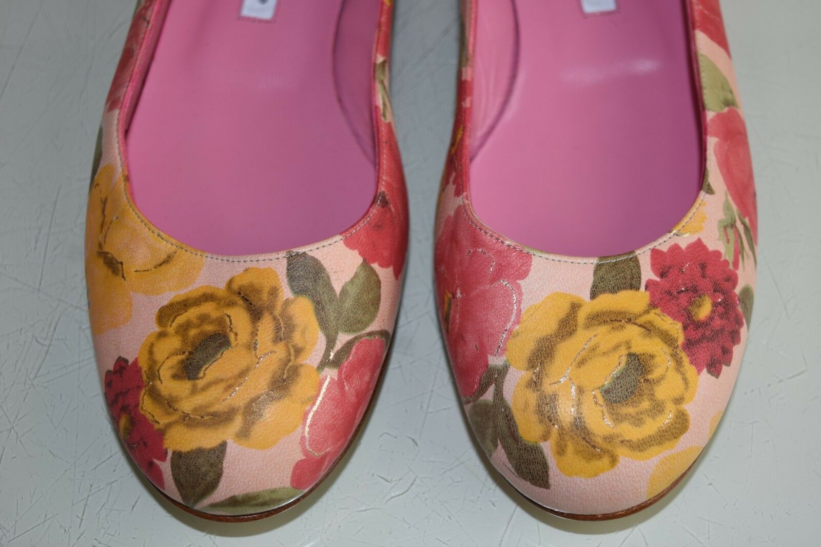 New Manolo Blahnik Flats Leather rose Flowers Round Round Round Toe Nude Floral chaussures 40.5 2459c4