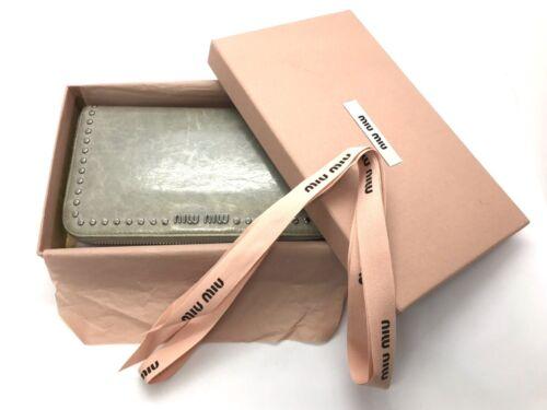 MiuMiu round zip wallet gray used (3118