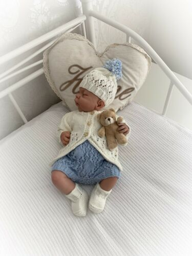 """""""Aster"""" 4 Piece Set knitting pattern for Reborn doll 16-22"""" or 0-3 Mth Baby"""