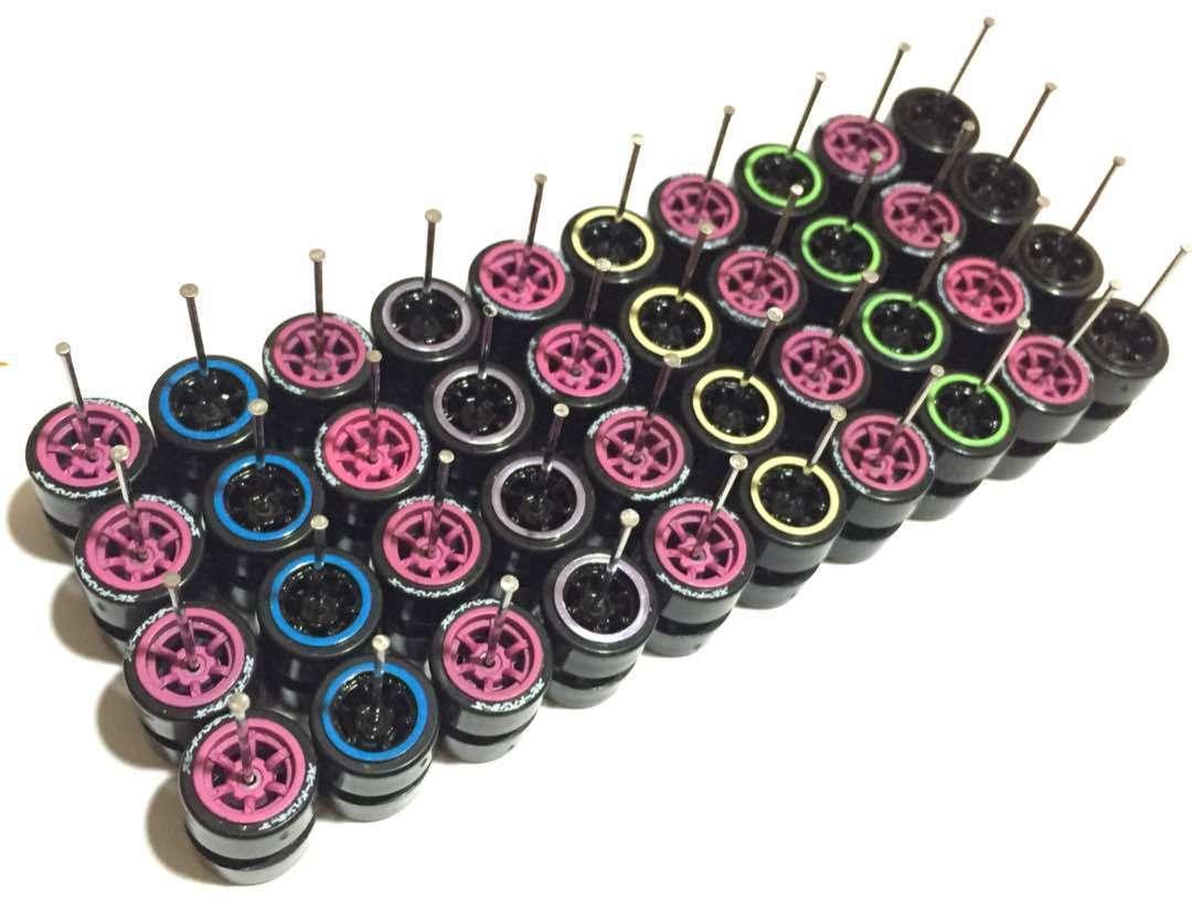 Storlek på heta hjul 1 64 plastdäck för egna tärningskast Comold mix - 20 set - 307